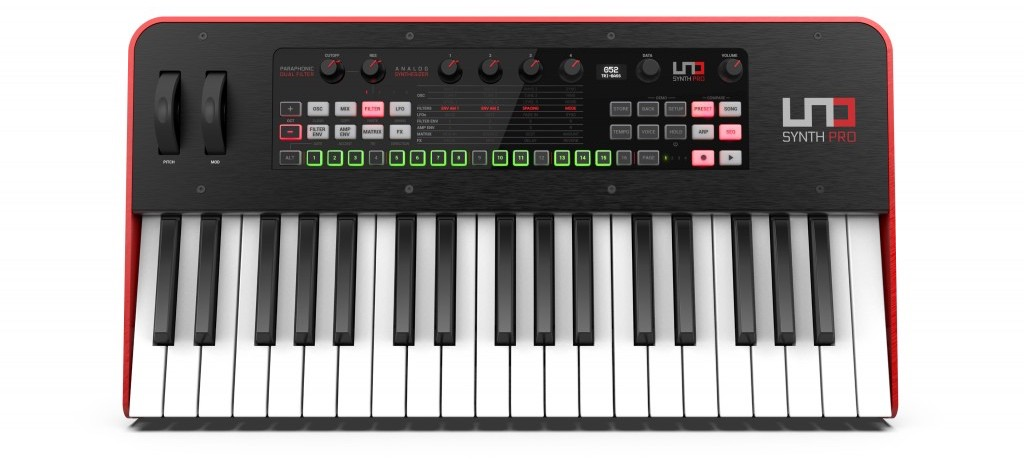 ikc-L-UNO Synth PRO_key_front.407_r_opt.jpg